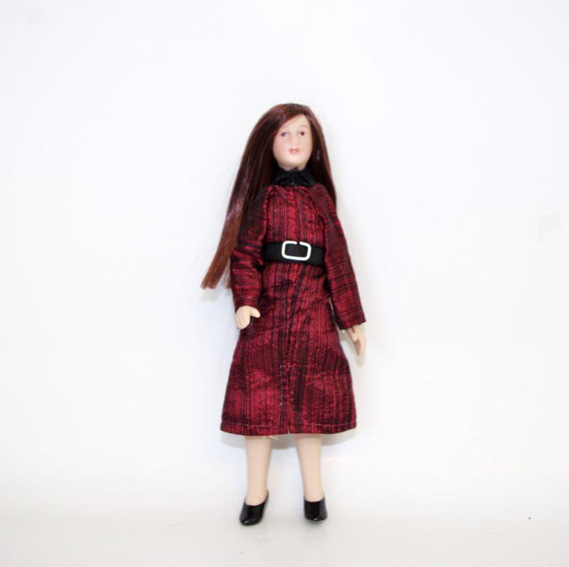 pitkät hiukset saattaja puku